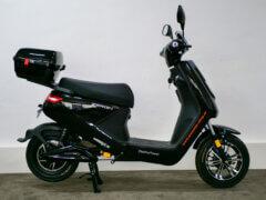 Elektro-Scooter Zeron schwarz