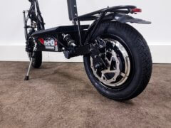 Elektrischer Roller Nitro Roadster bürstenloser Motor