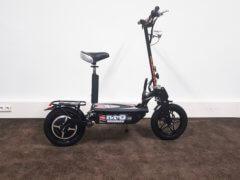 Elektrischer Roller Nitro Roadster mit Sitz