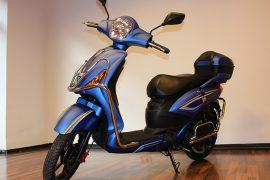 Elektro-Scooter Power blau mit Straßenzulassung