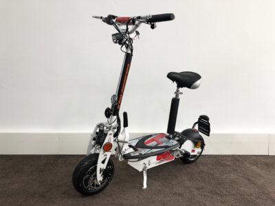 e scooter cruiser 600 mit bürstenlosem radnabenmotor weiss