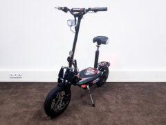 Elektrischer Roller Nitro Roadster